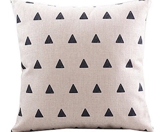 Triangle Pillow, Triangle Pattern Pillow, Home Decor, Decorative Pillow, Black and White Pillow, Modern Pillow, Bed Pillow