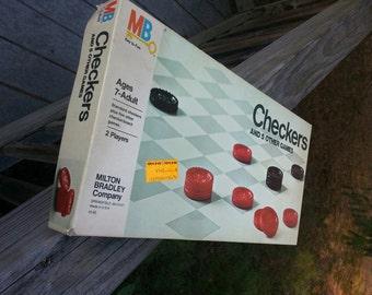 Vintage checkers Milton Bradley 1980's