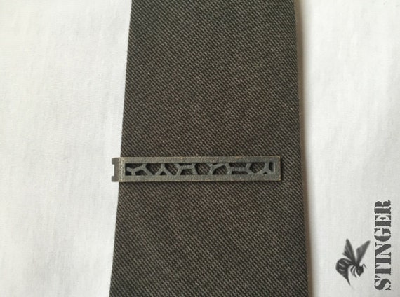 Tie Bar - Cracked Pattern in Steel