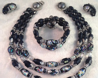 Vintage Hobé Artglass Venetian Beaded Full Parure in Hues of Black, Blues and Greens (Necklace Earrings and Wrap Bracelet) 445