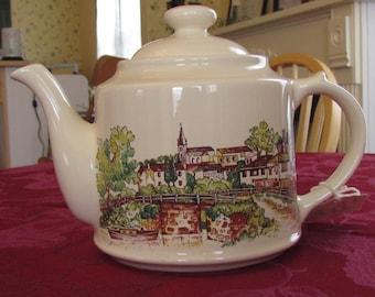 Wade English Village Tea Pot