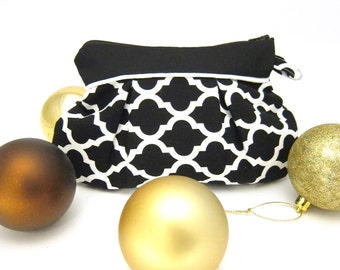 "Pleated Zipper Pouch - Black and White Quatrefoil ""Taylor"""