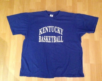 2XL. XXL. Kentucky Basketball. Kentucky wikdcats. Huge 90s sports size. College sports. Final four. March madness. Huge shirt!