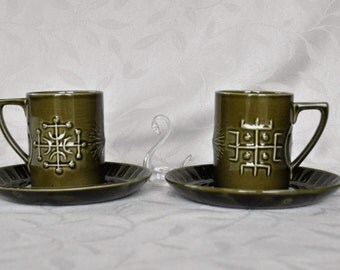 Olive Green Portmeirion 'Totem' coffee cups and saucers Pair 1960s 1970s Geometric Stylish Susan Williams-Ellis