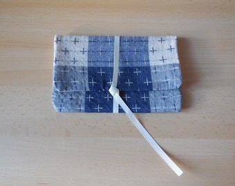 Pouch in Japanese fabric blue and beige quilted fleece