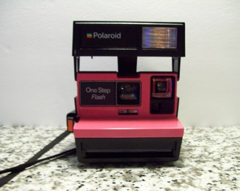 Polaroid Instant Camera 100 % Refurbished Retro Pink