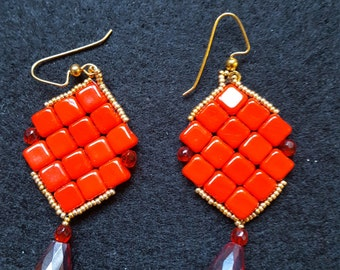 Silky red beads earrings. Available in different colours.