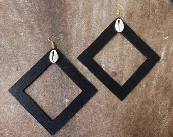 Black Gold Cowrie Earrings