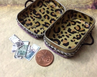 Dollhouse miniature suitcase luggage tiny mini doll 1 inch 12 scale vintage travel antique animal hotel attic bjd country rustic open money