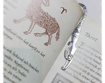 Boekenlegger zeemeermin met pentagram. Bookmarker mermaid and pentagram.