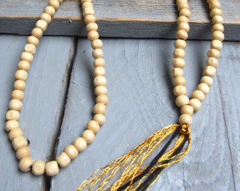 Necklace natural wood beads