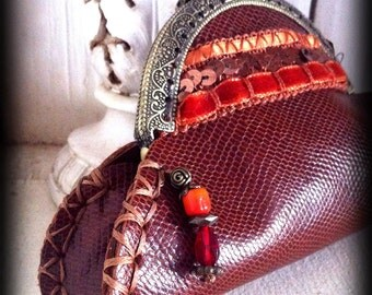 Handmade Vintage brown leather clasp purse coin