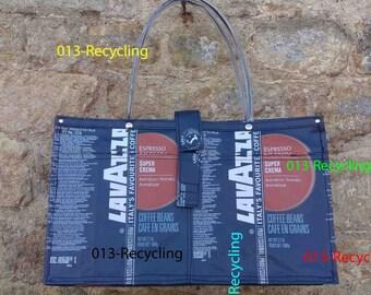 Handbag/Handtas recycled Coffeebags/Koffiezakken_07_type LAVAZZA_Blue with images/Blauw met print