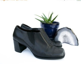 ON SALE Vintage Size 7 Ankle Booties   Leather boots   Black Leather Shoes  