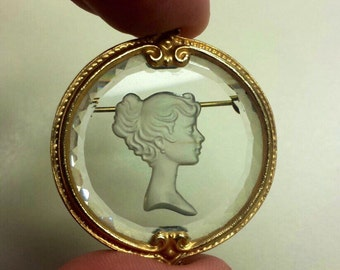 Costume Jewelry Cameo Brooch