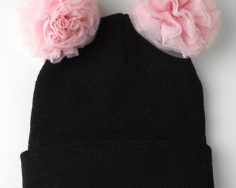 Black beanie with tulle pom pom