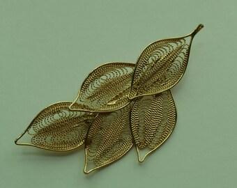 Delicate Gold Leaf Detail Brooch