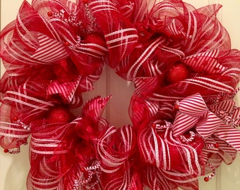 Read and White  Holiday Wreath
