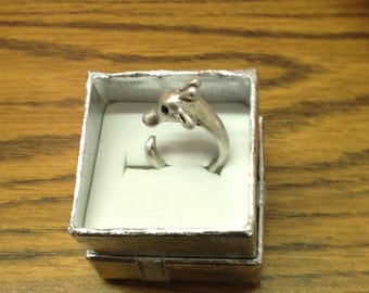 Adjustable giraffe ring