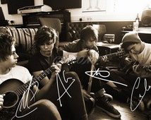 5 seconds of summer signed photo print - 12x8 inch - high quality - n.o 2