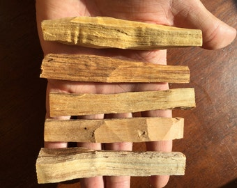 Palo Santo 5 pcs Set/ Peruvian Incense/ Reiki/ Shaman/ Protection/ Altars/ Shrines/ Smudging/ Crystal Grid/ Meditation/ Cleansing/ Chakras