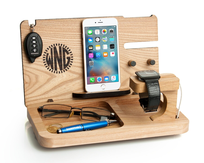 mens gift iphone 7 apple watch docking station. Black Bedroom Furniture Sets. Home Design Ideas