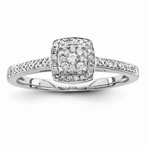 Average Diamond Specs Engagement Ring