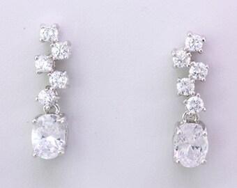 Bridal Clear Cubic Zirconia Dangle Earrings,Sliver Crystal Stud Earrings,Bridemaid Wedding Gift Jewelry,Statement Earrings,Gift for Women