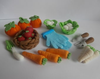 Edible Cake Decorations Vegetables : Carrot cake topper Etsy