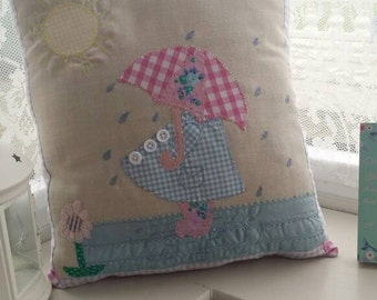 Sun bonnet sue shabby chic decorative pillow in beautiful pastel colours.