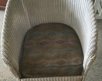 Vintage Lloyd Loom Style Wicker Chair with Sprung Seat.  Hand Painted & Distressed. Antique White