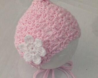 Crochet pink bonnet / Newborn props/ Newborn girls props/ Newborn girls pink bonnet/ Pink cotton bonnet with flower