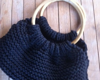 Knitted bag with bamboo handles