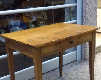 Table / antique / kitchen table / old / vintage / France / country house