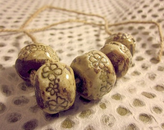 Ceramic Beads, brindle brown with flowers