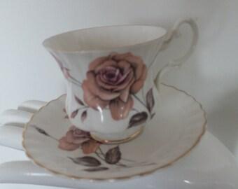 Teacups and saucers Royal Albert