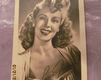 Vintage Hollywood pre-print autographed Lana Turner photo