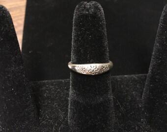 Vintage Ring, Silvertone, Flowers