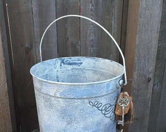 Rustic Little Farmhouse Primitive Bucket