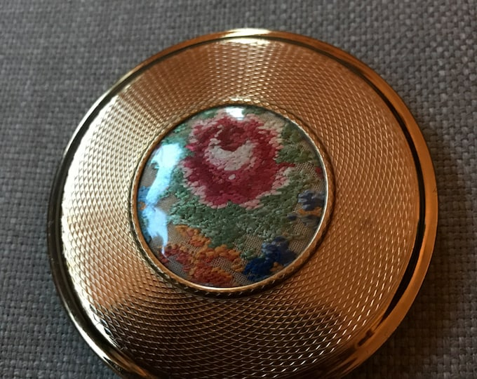 Vintage Kigu Compact. Bronze embroidered lucite compact.