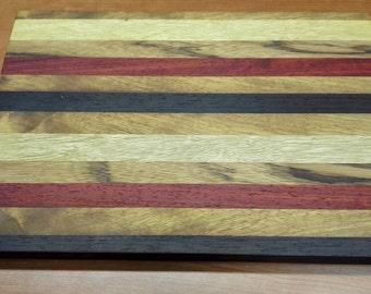 Handcrafted solid wood cutting board 40 x 27 x 3 cm
