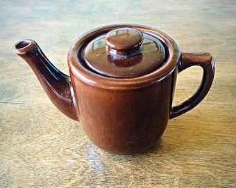 Bauer Pottery Teapot, Bauer pottery, vintage teapot, vintage Bauer, vintage pottery, bauer teapot