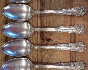 "1904 Berwick aka Diana Silverplate Place/Oval Soup Spoons Qty. 5 by WM Rogers 7 1/8"""