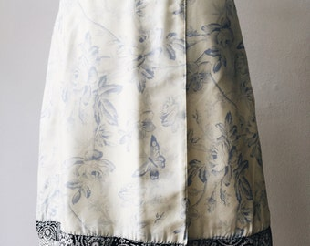 Silk skirt / Vintage skirt / Flowers with butterflies print / Wrap skirt