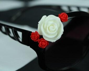 Flower power! Black, oversized sunglasses with Flowers