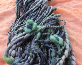Handspun merino art yarn - Huckleberries