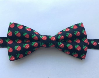 Baby Bow Tie Berry Print