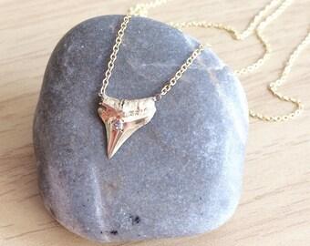 Diamond sharktooth
