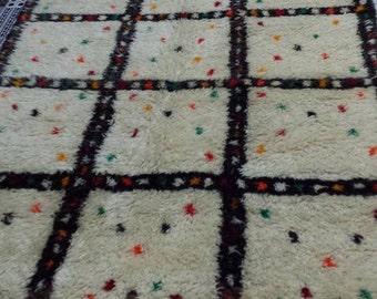 Moroccan Beni Ouarain berber azilal rug - handmade