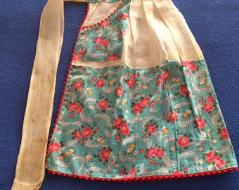 1950's Vintage Blue and White Floral Apron
